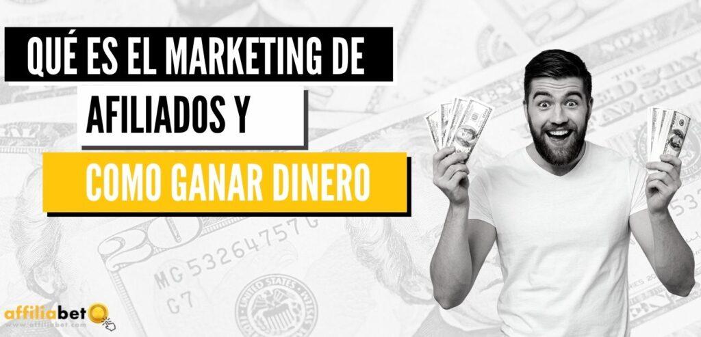 Hombre ganando dinero marketing de afiliación